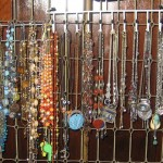 How 2 Organize Your Necklaces