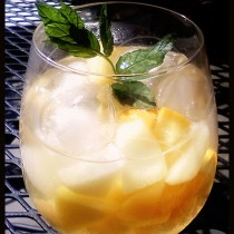 Peachy White Sangria