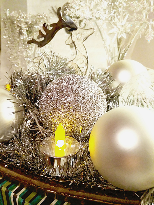 Easy DIY Christmas & New Year Decorations